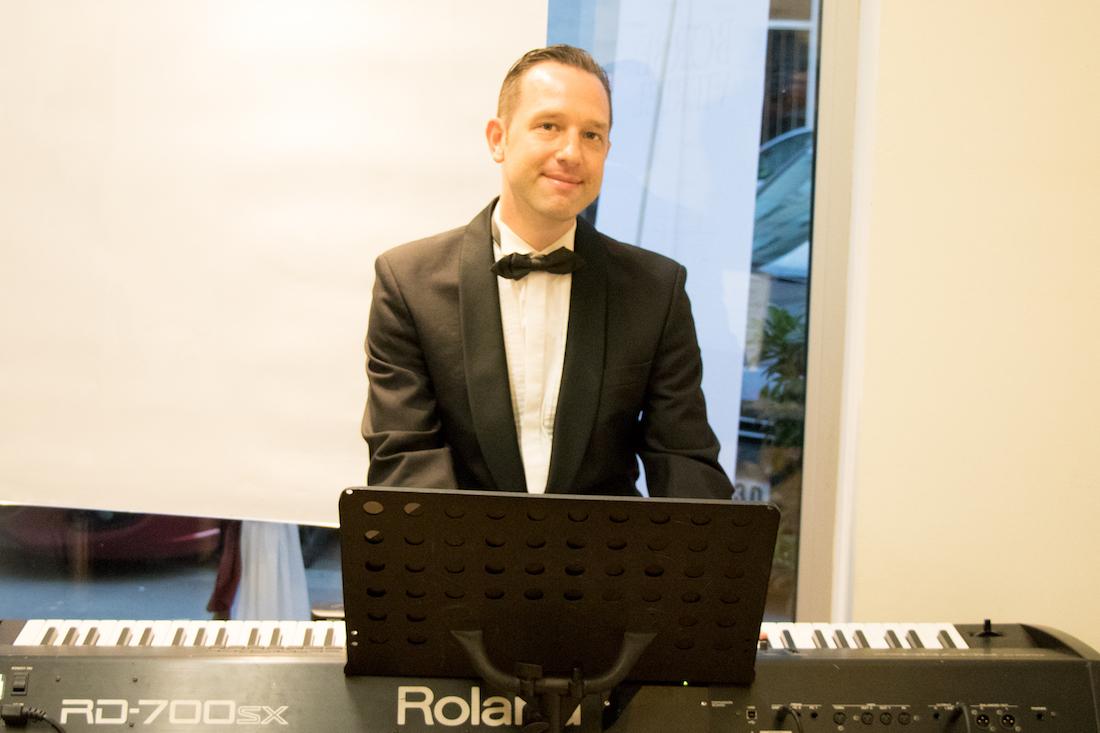 06_Pianist_Michael_Fischer_sorgte_für_Stimmung